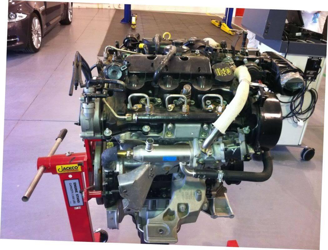 Замена двигателя Дискавери 3 в автосервисе ЛР-кинг