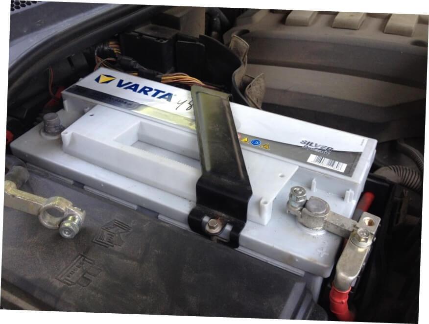 профессиональная замена аккумулятора на Range Rover